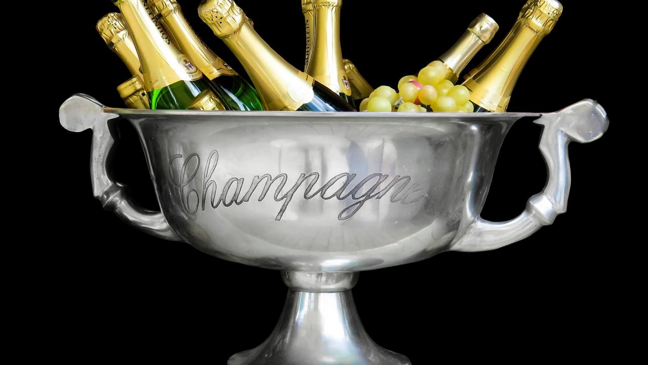 champagne-1500248_1920.jpg